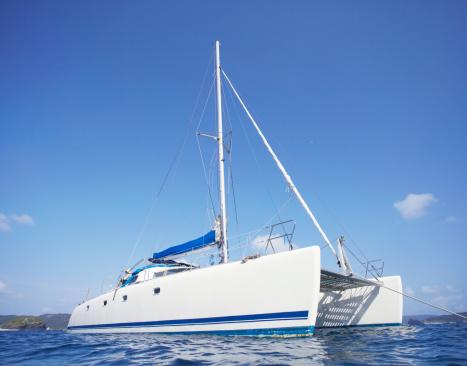Catamaran「Catamaran on the ocean」:スマホ壁紙(1)
