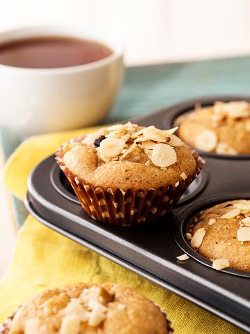 Tea「Cupcakes,Cupcakes with tea, Muffin,Unfrosted cupcakes,Vanilla Caramel Muffins, Muffins with Cup of Coffee」:スマホ壁紙(6)