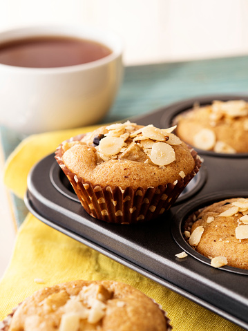 Sweet Food「Cupcakes,Cupcakes with tea, Muffin,Unfrosted cupcakes,Vanilla Caramel Muffins, Muffins with Cup of Coffee」:スマホ壁紙(10)
