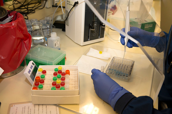 Laboratory「University Of Washington Medicine Tests Blood Of Recovered COVID-19 Patients For Antibodies」:写真・画像(17)[壁紙.com]