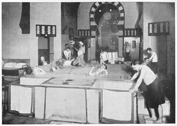 Bathhouse「Shampooing room in a Turkish bath, 76 Jermyn Street, Piccadilly, London, c1903 (1903)」:写真・画像(8)[壁紙.com]
