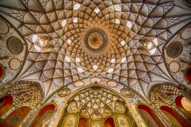 Persian architecture - fresco at ceiling, Iran:スマホ壁紙(壁紙.com)