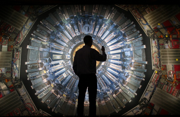 Technology「Prof Peter Higgs Opens Collider Exhibition At The Science Museum」:写真・画像(2)[壁紙.com]