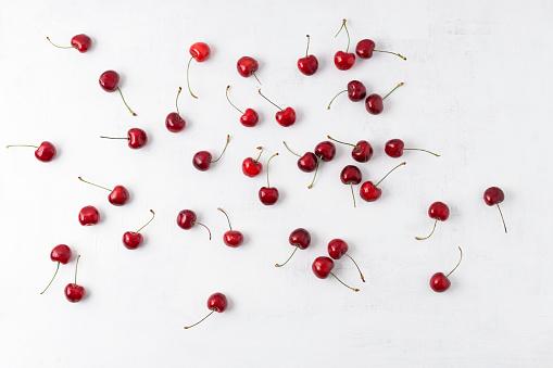 Cherry「Sweet cherries scattered on white ground」:スマホ壁紙(16)