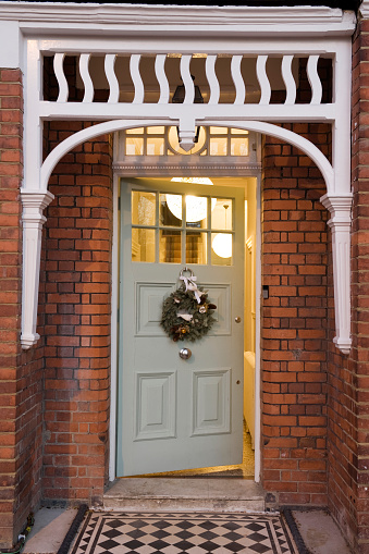 Front Door「North London Victorian conversion decorated for Christmas」:スマホ壁紙(3)