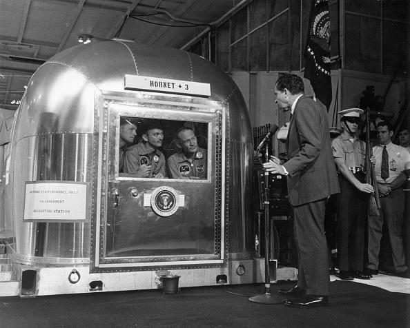 検疫「Nixon NASA Address」:写真・画像(0)[壁紙.com]