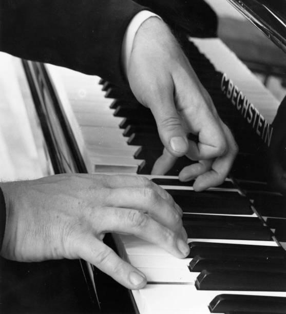 Pianist's hands:ニュース(壁紙.com)