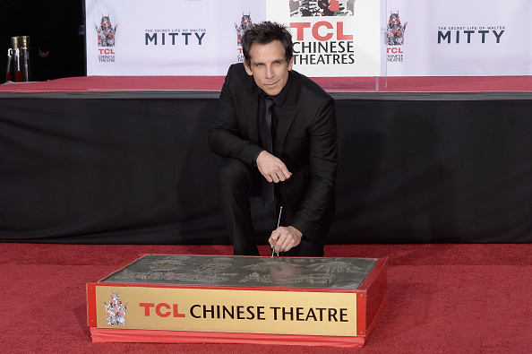 Hand「Ben Stiller Immortalized With Hand And Footprint Ceremony」:写真・画像(12)[壁紙.com]