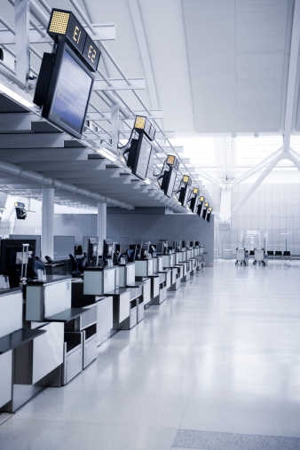 Airport Check-in Counter「Empty airline checkout counter」:スマホ壁紙(9)