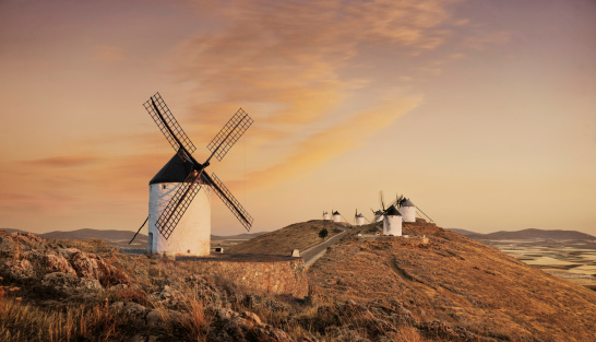 Mill「Windmills at sunset, Consuegra, Castilla La Mancha, Spain」:スマホ壁紙(18)