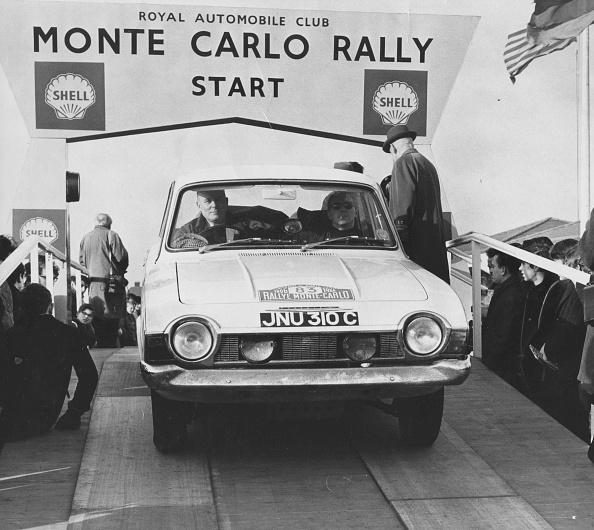 自動車レース「Monte Carlo Rally」:写真・画像(11)[壁紙.com]