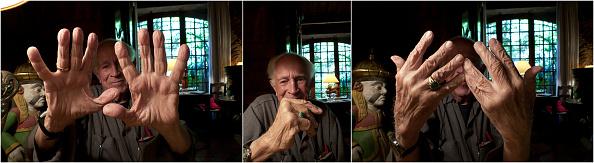 Paul-Henri Cahier「David Douglas Duncan, At Restaurant With Friends」:写真・画像(4)[壁紙.com]