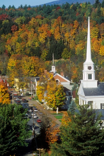 """Stowe - Vermont「""""View of Stowe, VT in Autumn on Scenic Route 100 with church spire""""」:スマホ壁紙(6)"""