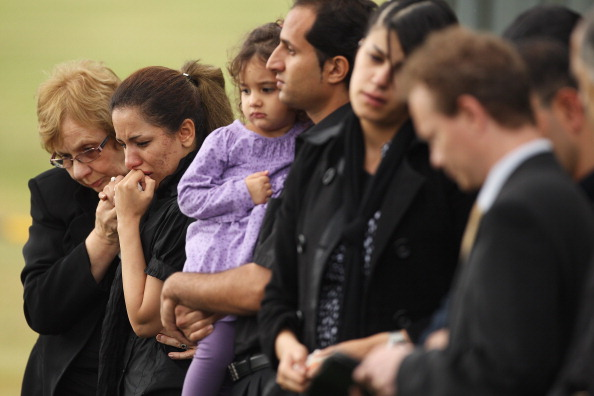 Mark Kolbe「Funerals Held For Victims Of Christmas Island Shipwreck」:写真・画像(12)[壁紙.com]