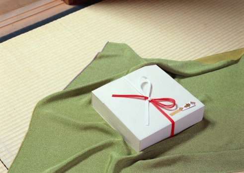 Annual Event「Image of Japanese style gift box」:スマホ壁紙(3)