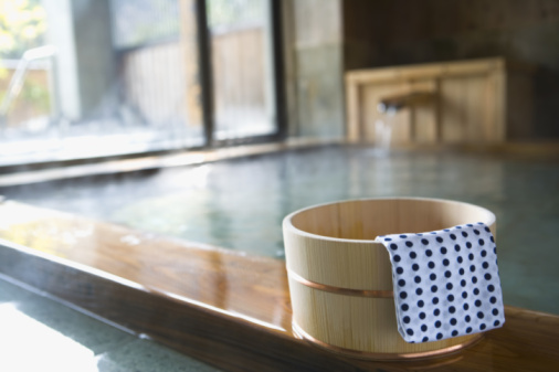 Tenugui「Image of Japanese Outdoor Hot Spring Bath, Tub and Tenugui at the Side, Close Up, Differential Focus」:スマホ壁紙(1)