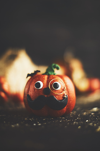 Eyesight「Pumpkin character with mustache and monocle」:スマホ壁紙(10)