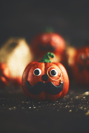 Eyesight「Pumpkin character with mustache and monocle」:スマホ壁紙(5)