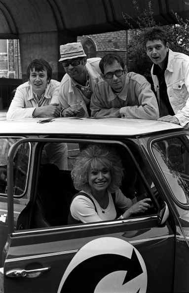 Scott Nelson「Barbara Windsor And Corduroy Hammersmith 1994」:写真・画像(15)[壁紙.com]