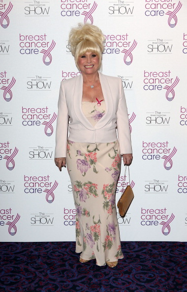 Breast「Breast Cancer Care 2012 Fashion Show」:写真・画像(3)[壁紙.com]