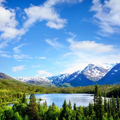 夏「Litle Luktvatnet 湖、ノルウェー」:スマホ壁紙(6)