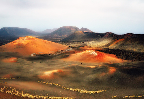 Atlantic Islands「The Fire Mountains,  Timanfaya, Lanzarote, Canary Islands, Spain」:スマホ壁紙(18)