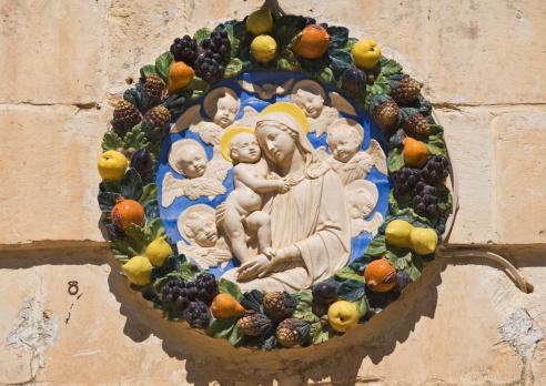 Virgin Mary「Madonna and child house plaque, Mdina, Malta」:スマホ壁紙(11)