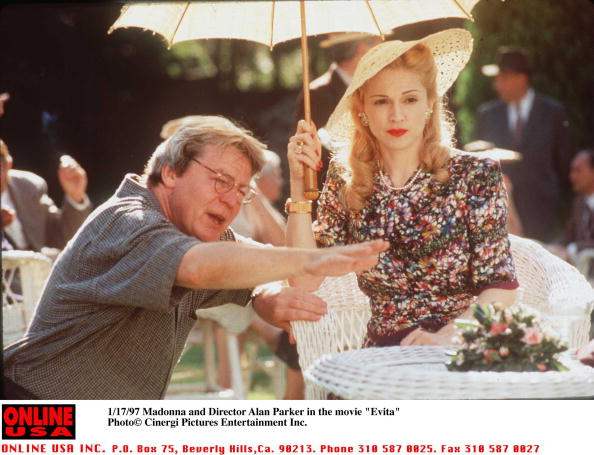 Director「Madonna And Director Alan Parker In Her New Movie Evita」:写真・画像(5)[壁紙.com]