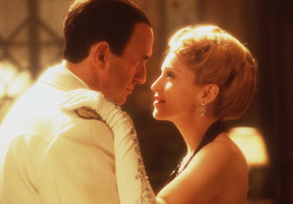 Movie「Madonna And Jonathan Pryce In The Movie Evita January 17 1997」:写真・画像(14)[壁紙.com]