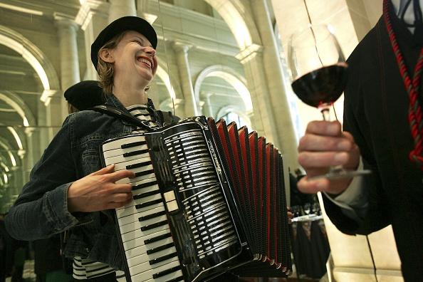 Accordion - Instrument「Wine Connoisseurs Welcome Beaujolais Nouveau Season」:写真・画像(6)[壁紙.com]