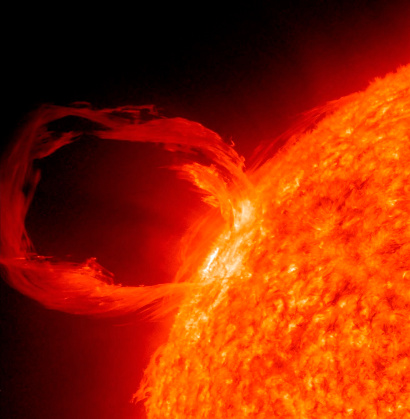 太陽「March 30, 2010 - Close-up of a solar eruptive prominence as seen in extreme UV light.」:スマホ壁紙(9)