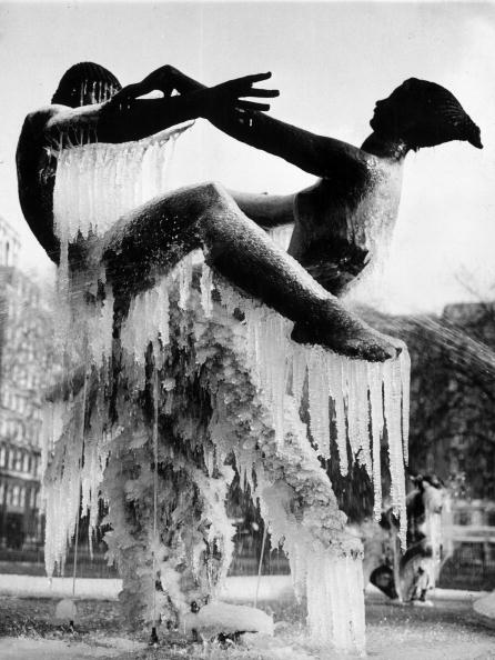 Ice Sculpture「Ice Dance」:写真・画像(4)[壁紙.com]