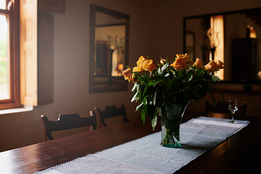 Table Runner「Bringing a bit of the garden indoors」:スマホ壁紙(6)