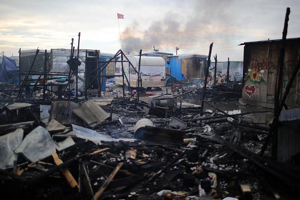 Calais「Migrants Leave The Jungle Refugee Camp In Calais」:写真・画像(0)[壁紙.com]
