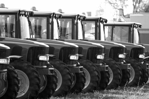 Passenger Cabin「Serie of Similar Farm Tractors」:スマホ壁紙(18)