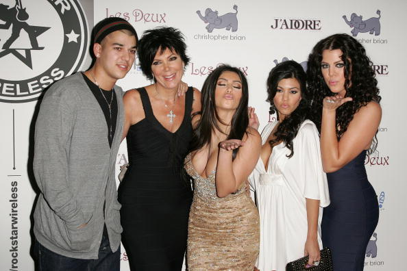 Family「Kim Kardashian Celebrates Her Birthday At Les Deux - Arrivals」:写真・画像(14)[壁紙.com]