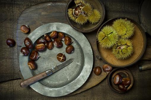 栗「Preparing sweet chestnuts」:スマホ壁紙(2)