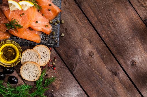 Canape「Preparing smoked salmon canapes」:スマホ壁紙(18)