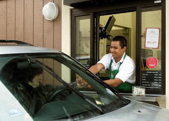 Drive Through「Starbucks Invests Heavily In Drive-Thru Market」:写真・画像(19)[壁紙.com]