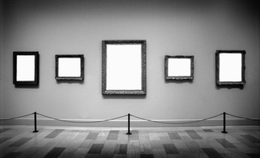 Art「Empty frames in art gallery (Digital Composite, B&W)」:スマホ壁紙(2)