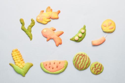 スイカ「Cookies in different shapes」:スマホ壁紙(11)