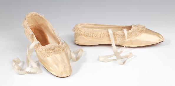 Slipper「Evening Slippers」:写真・画像(6)[壁紙.com]