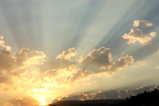 明るい色「日の出」:スマホ壁紙(1)