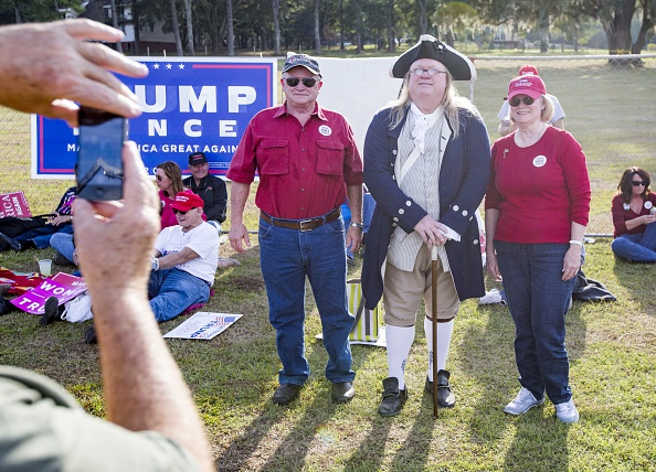 Tallahassee「Republican Presidential Nominee Donald Trump Holds Campaign Rally At The Tallahassee Car Museum」:写真・画像(8)[壁紙.com]