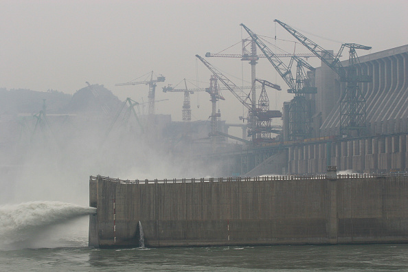Three Gorges「The Three Gorges Dam under construction on the Yangtze river in China.」:写真・画像(7)[壁紙.com]