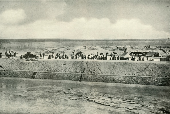 Middle East「Guarding The Banks Of The Suez Canal」:写真・画像(10)[壁紙.com]
