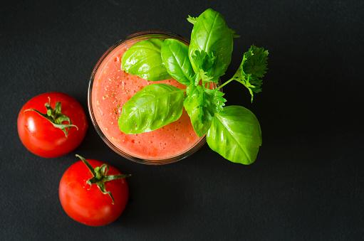 Vegetable Juice「Glass of homemade tomato juice on black ground」:スマホ壁紙(16)