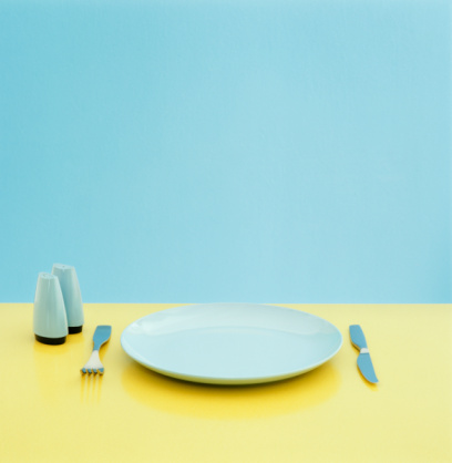 Color Image「Plate, utensils and salt and pepper shakers on table」:スマホ壁紙(16)