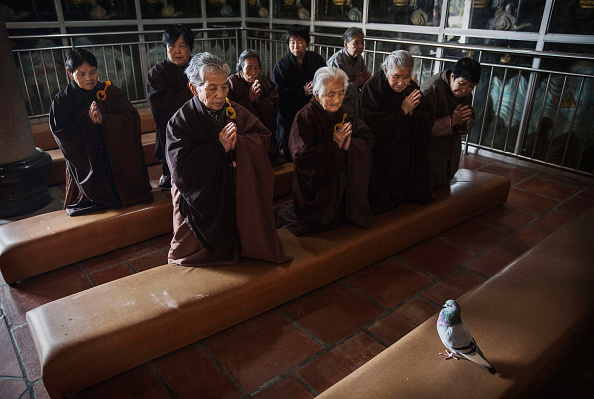 Chanting「Buddhist Temple Offers Sanctuary To The Elderly In Rural China」:写真・画像(3)[壁紙.com]