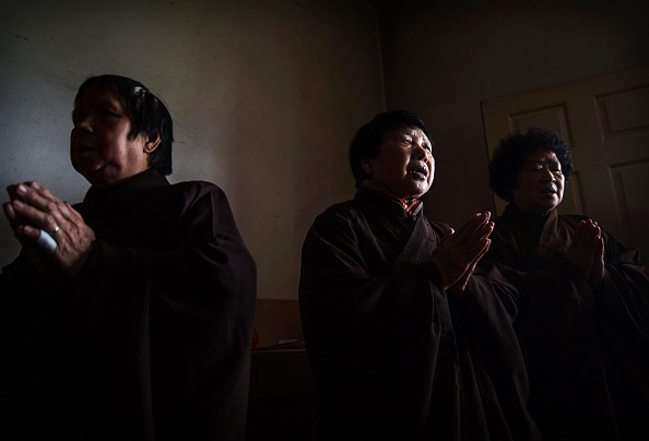 Chanting「Buddhist Temple Offers Sanctuary To The Elderly In Rural China」:写真・画像(7)[壁紙.com]